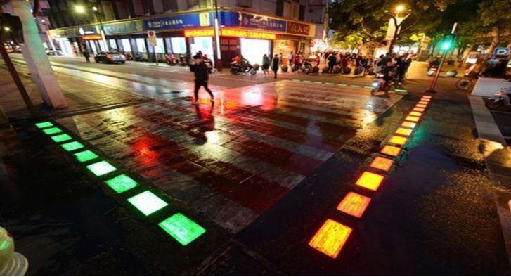 1. Светящаяся разметка пешеходных переходов