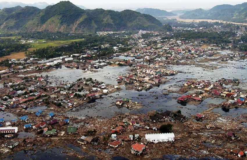 Последствия цунами на Суматре