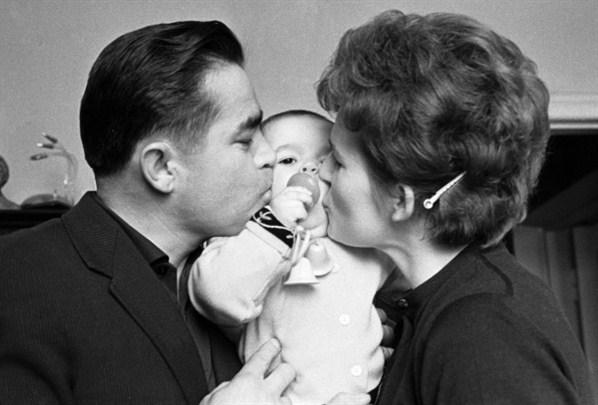 Николаев и Терешкова с дочерью