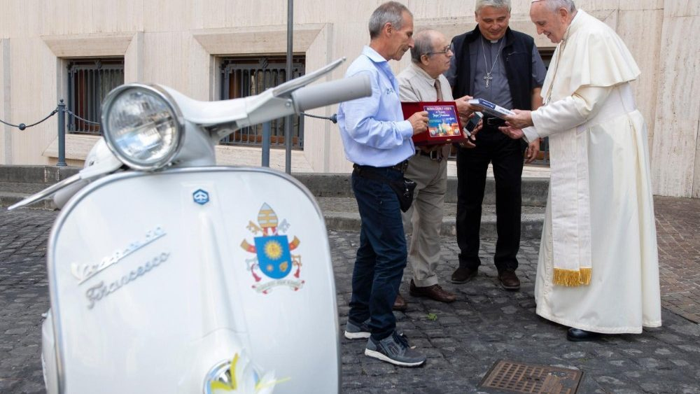 Сам Папа Римский проехаться отказался