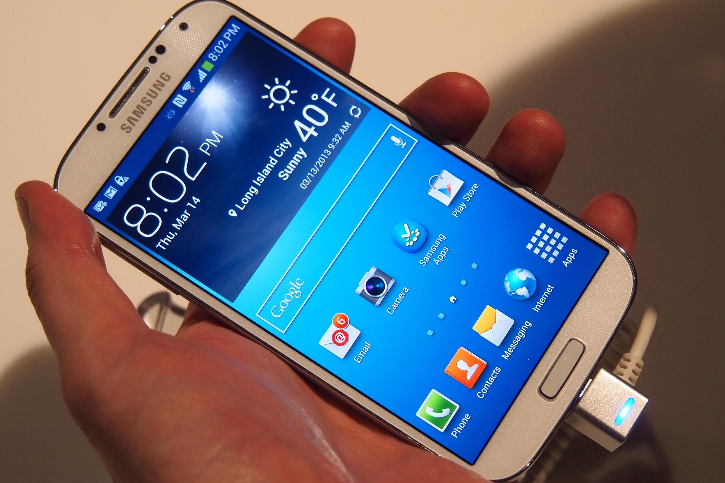 Samsung Galaxy S4 начнут продавать уже завтра