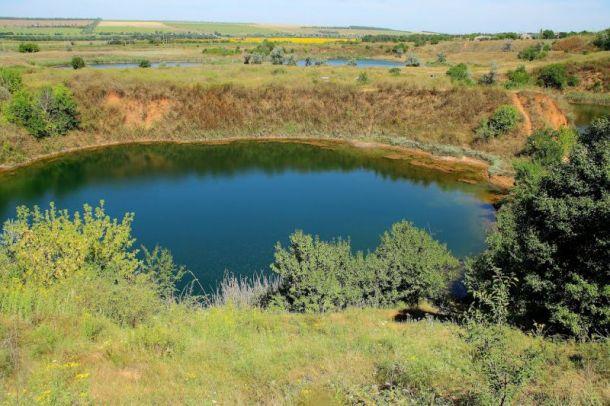 Соледарское озеро не подпускает к своему дну не одного водолаза