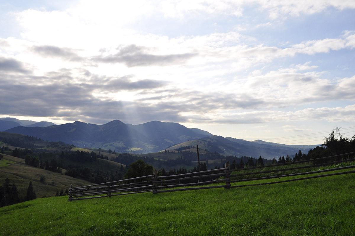 Верховина славится локацией - в пределах массива с самыми высокими горами Карпат