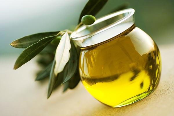 Пальмовое масло долго не портится и содержит много ненасыщенных жирных кислот