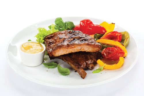 Закусывай блюдо овощами и соусом, иначе потом не встанешь со стульчика