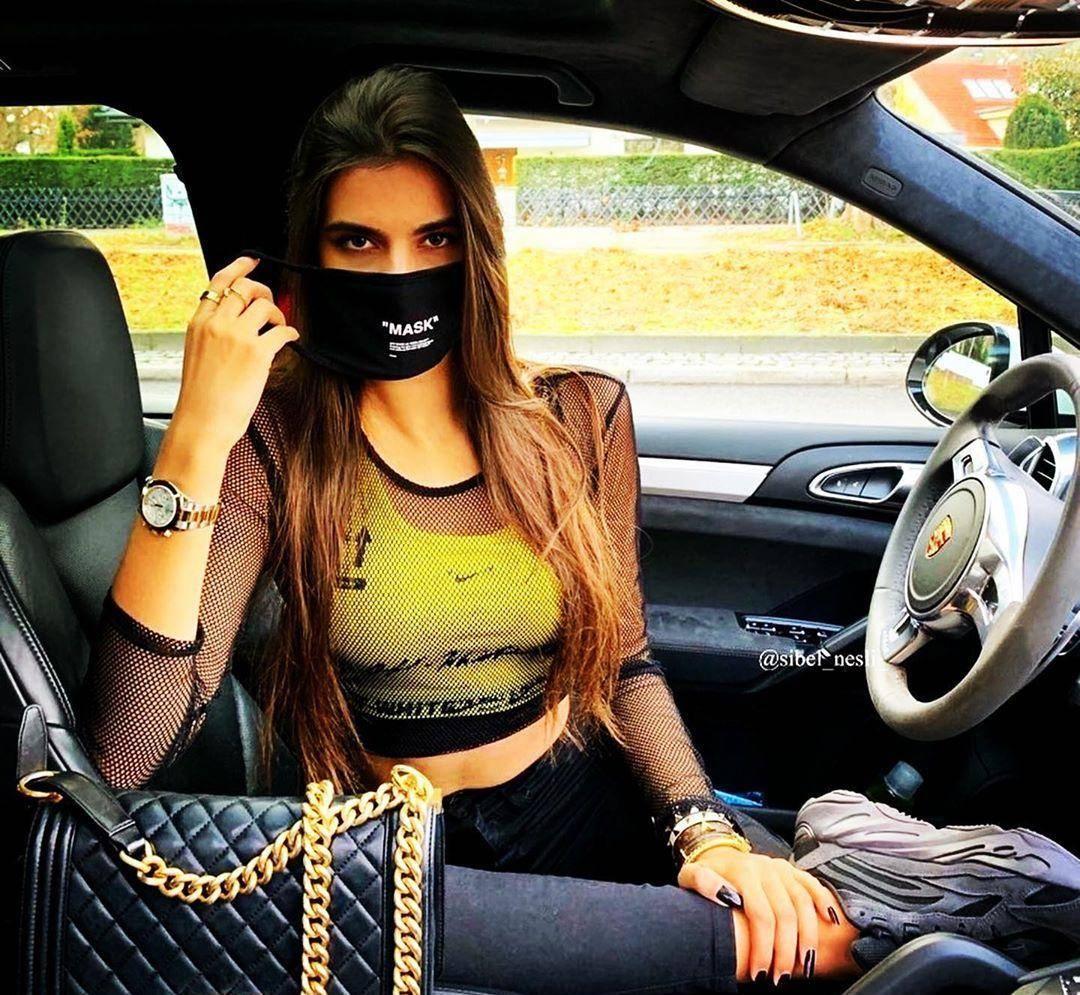 Когда маска по цене автомобиля: карантин у богатых и знаменитых
