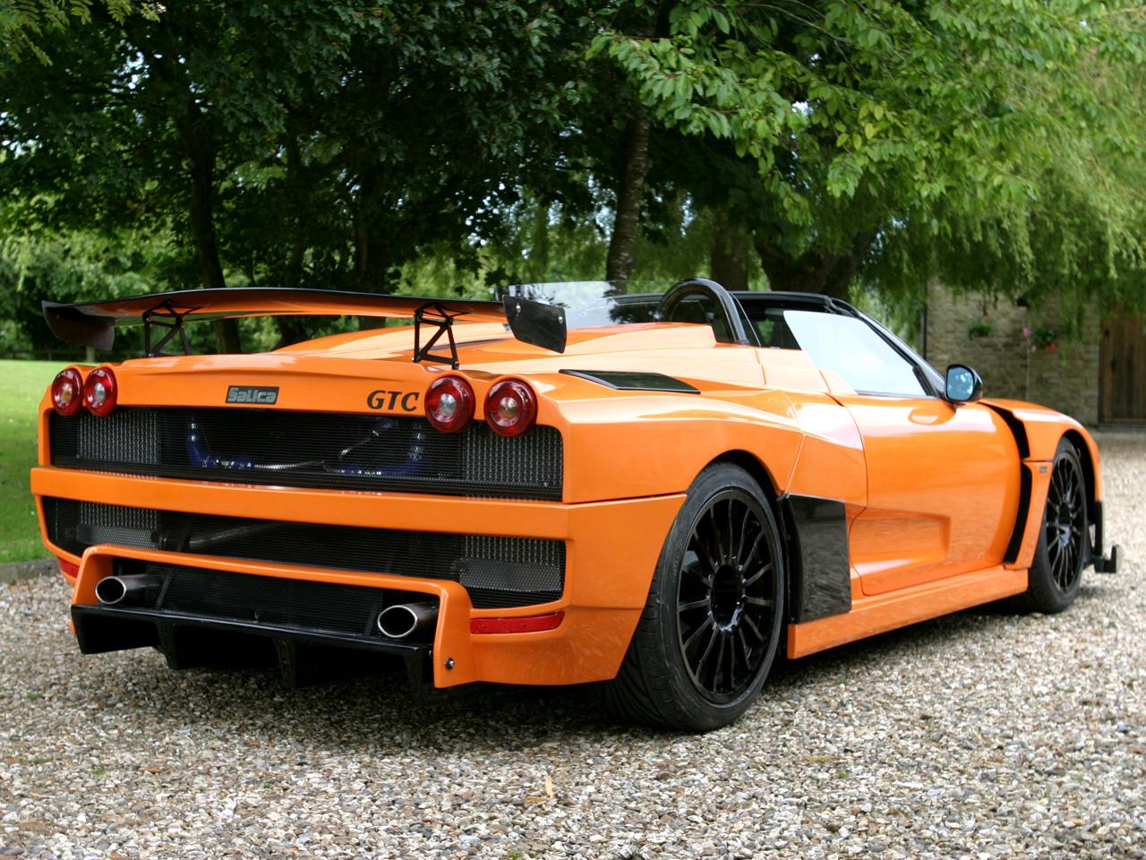 Максимальная скорость Salica GT - 306 км/ч. Спорткар оснащен силовой установкой мощностью 500 л.с.