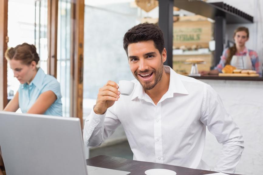 Если пить чай из мелкой посуды, то одной чашкой не напьешься