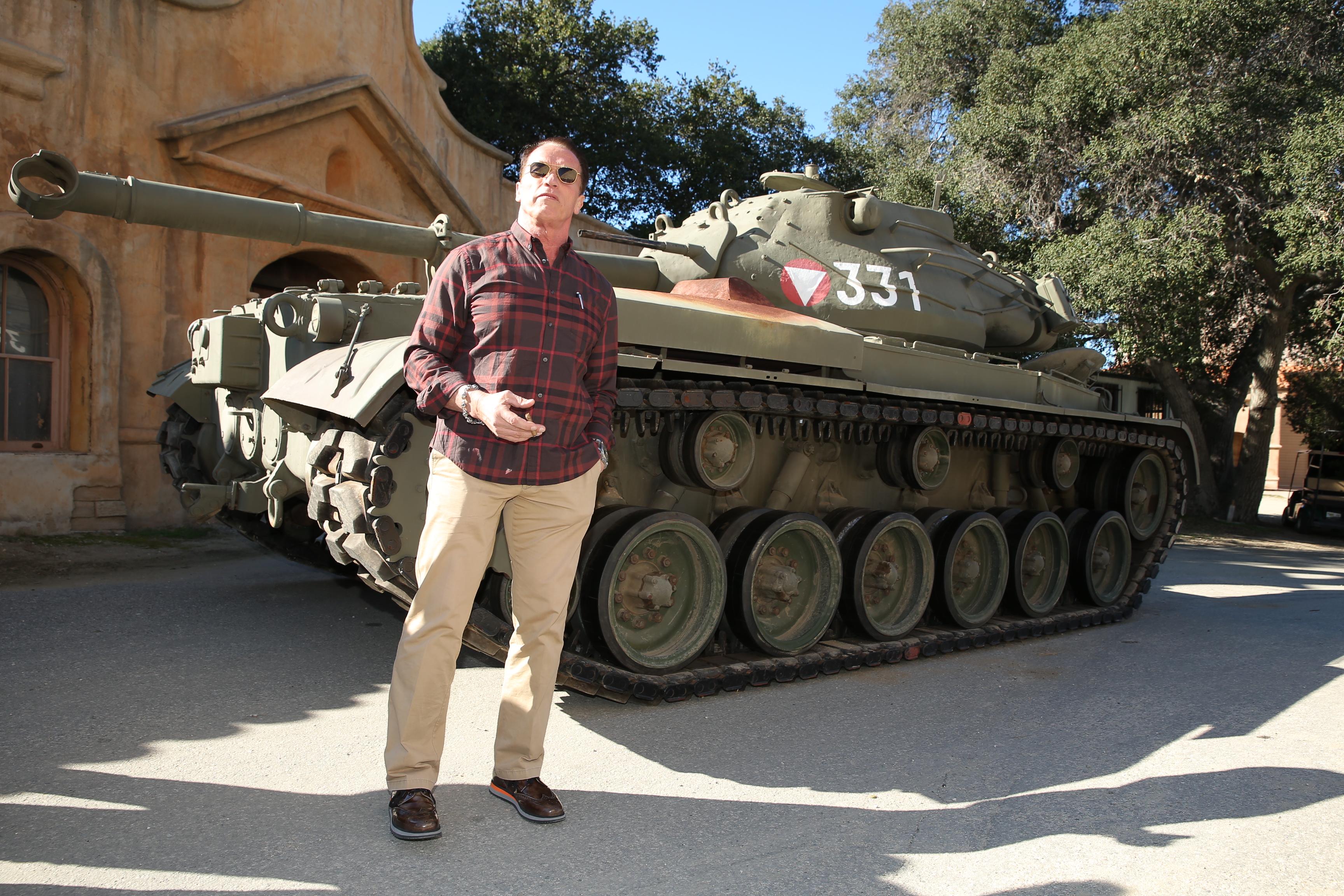 Арнольд Шварценеггер неравнодушен к Второй мировой, особенно - танкам