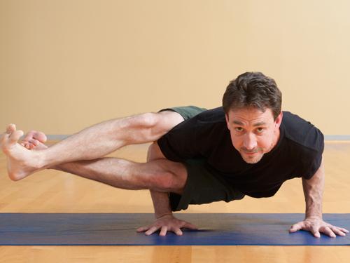 Йога на 7% делает мужчин выносливее