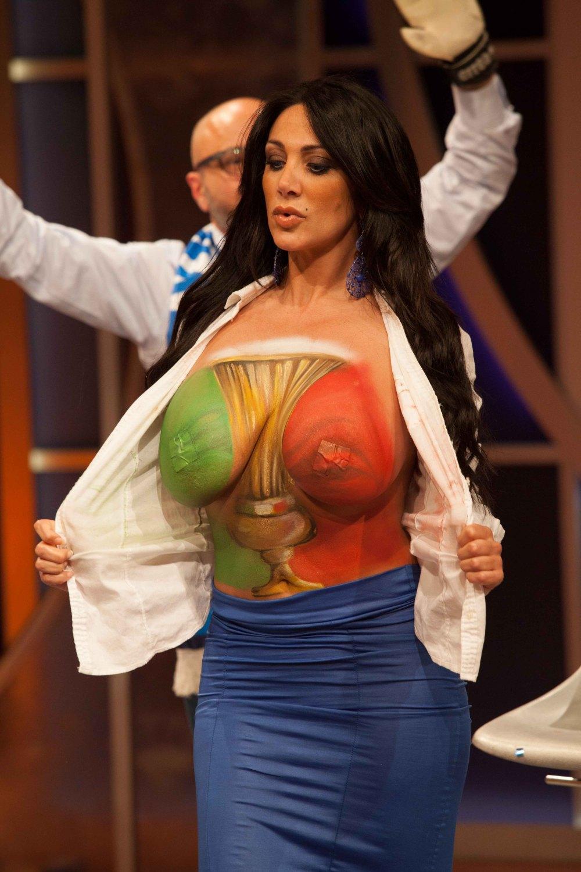 Смотреть порно итальянской телеведущей марика фруско 12 фотография