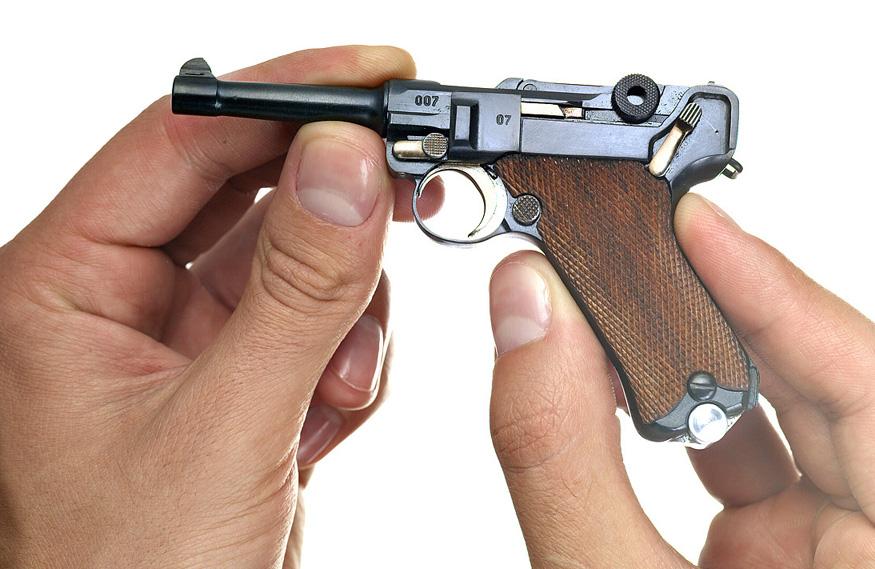 P08 Luger, как и прочие немецкие военные технологии, намного опередил свое время