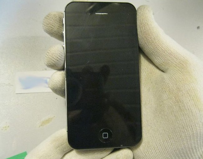 С виду настоящий iPhone 4S