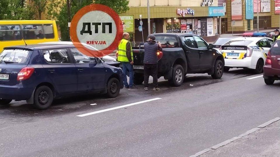Происшествия на дорогах Киева и области: Сводка за 18 мая