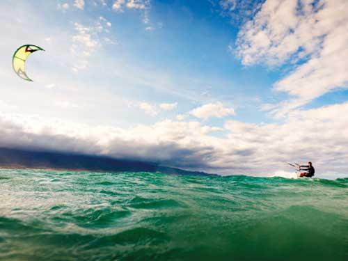 Катайся на гигантских волнах в Африке