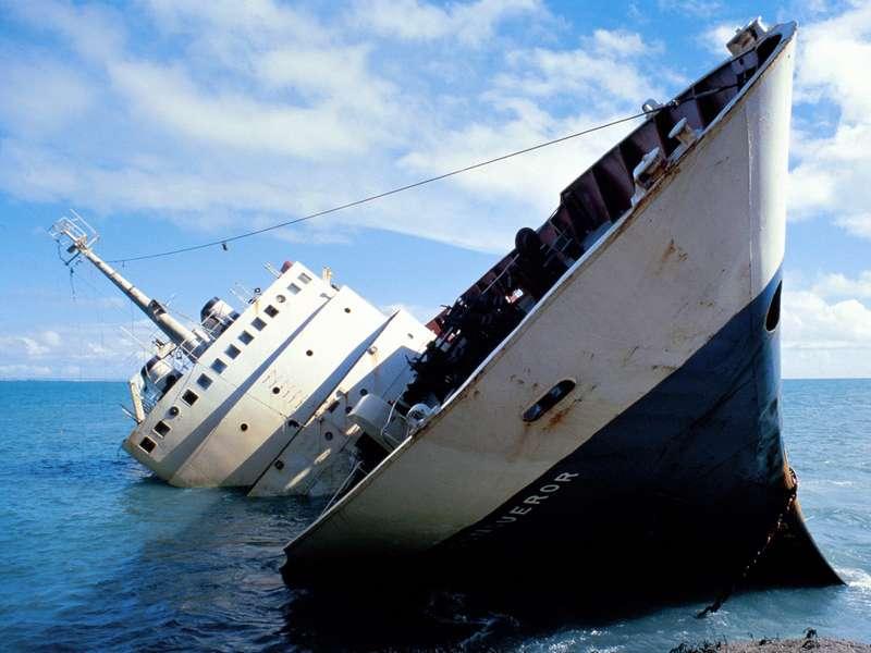 С тонущих кораблей в первую очередь бегут мужчины