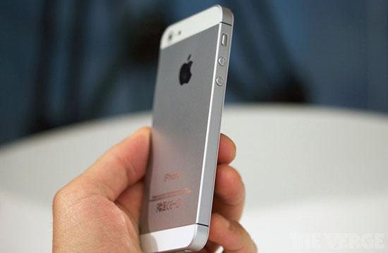 iPhone 5 может появится в Украине уже в октябре