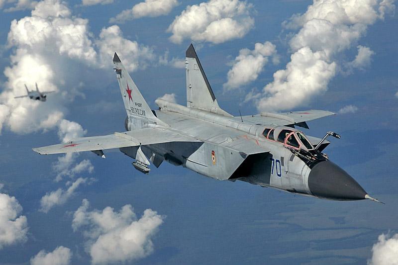 А изначально МиГ-31 предназначался всего лишь для перехвата крылатых ракет