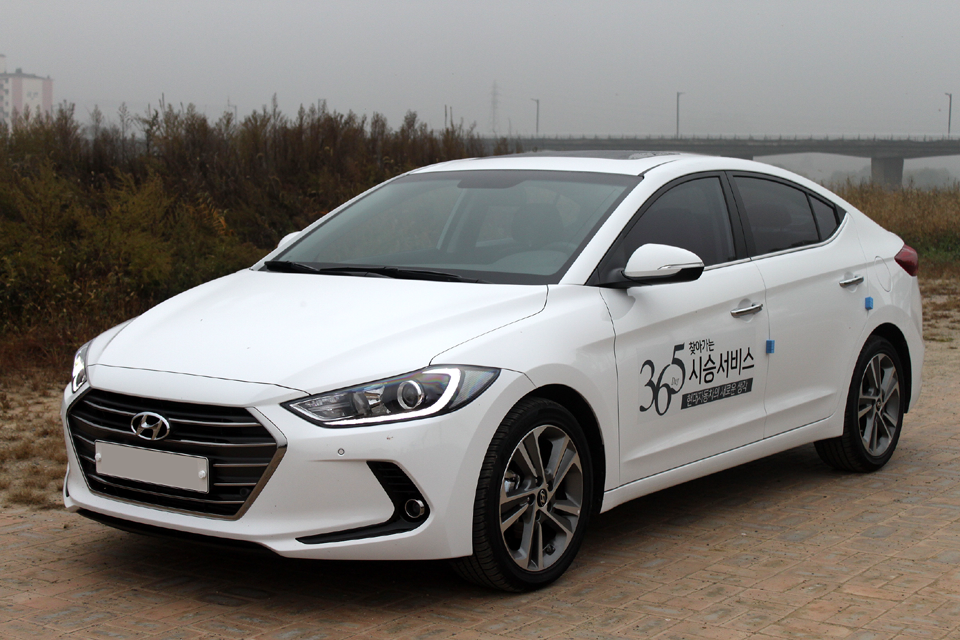 Hyundai Elentra Eco стоит 20 тысяч долларов (около 540 тысяч гривен)