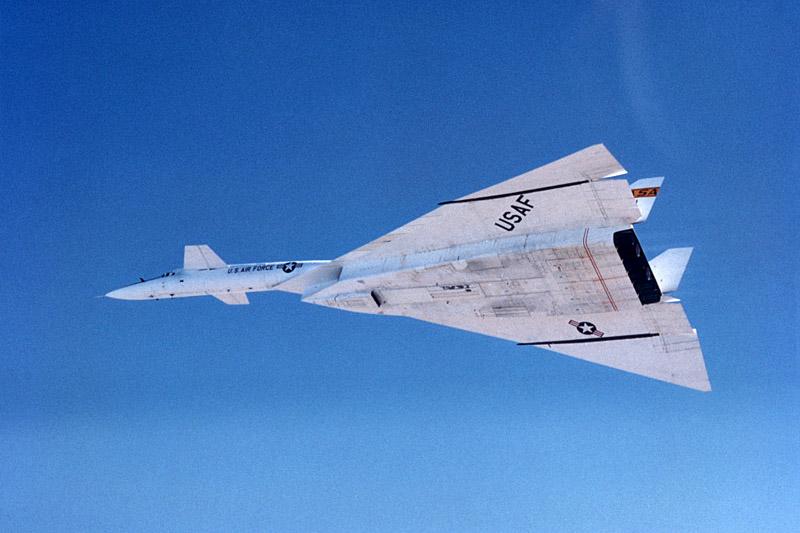 Первый XB-70 33 раза побывал в небесах