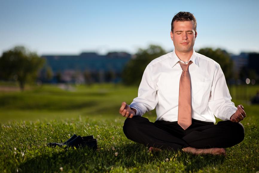 Трать обеденный перерыв не только на еду, но и медитации