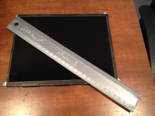 9,7-дюймовый сенсорный дисплей с LCD-матрицей.