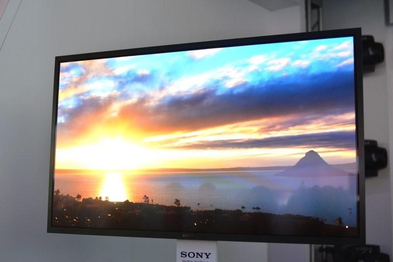 Самый большой телевизор Sony с OLED дисплеем