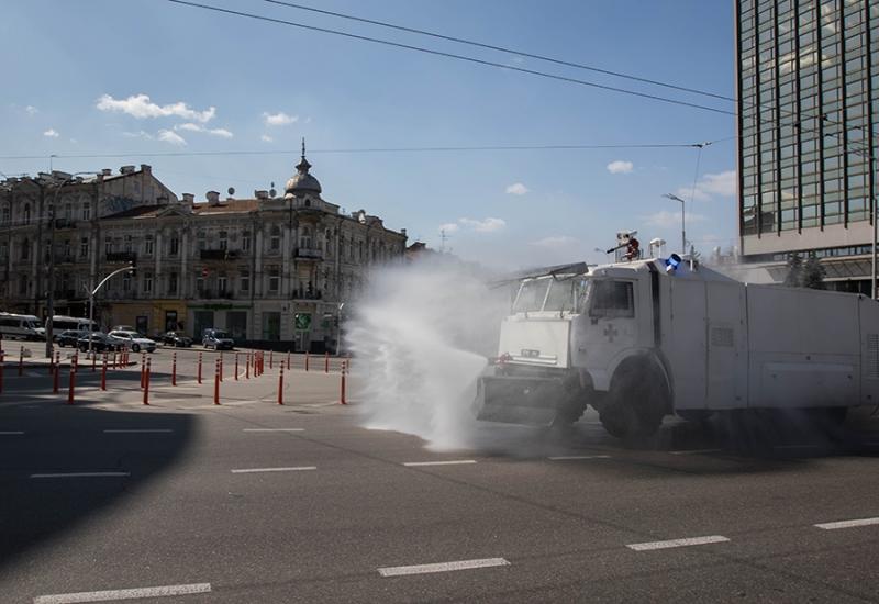 Гвардейцы будут дезинфицировать улицы Киева при помощи спец техники