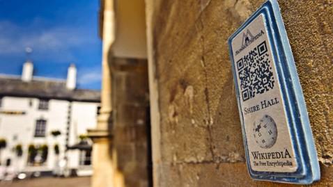 В Англии появился первый в мире Wikipedia-город. Все здания имеют QR-коды