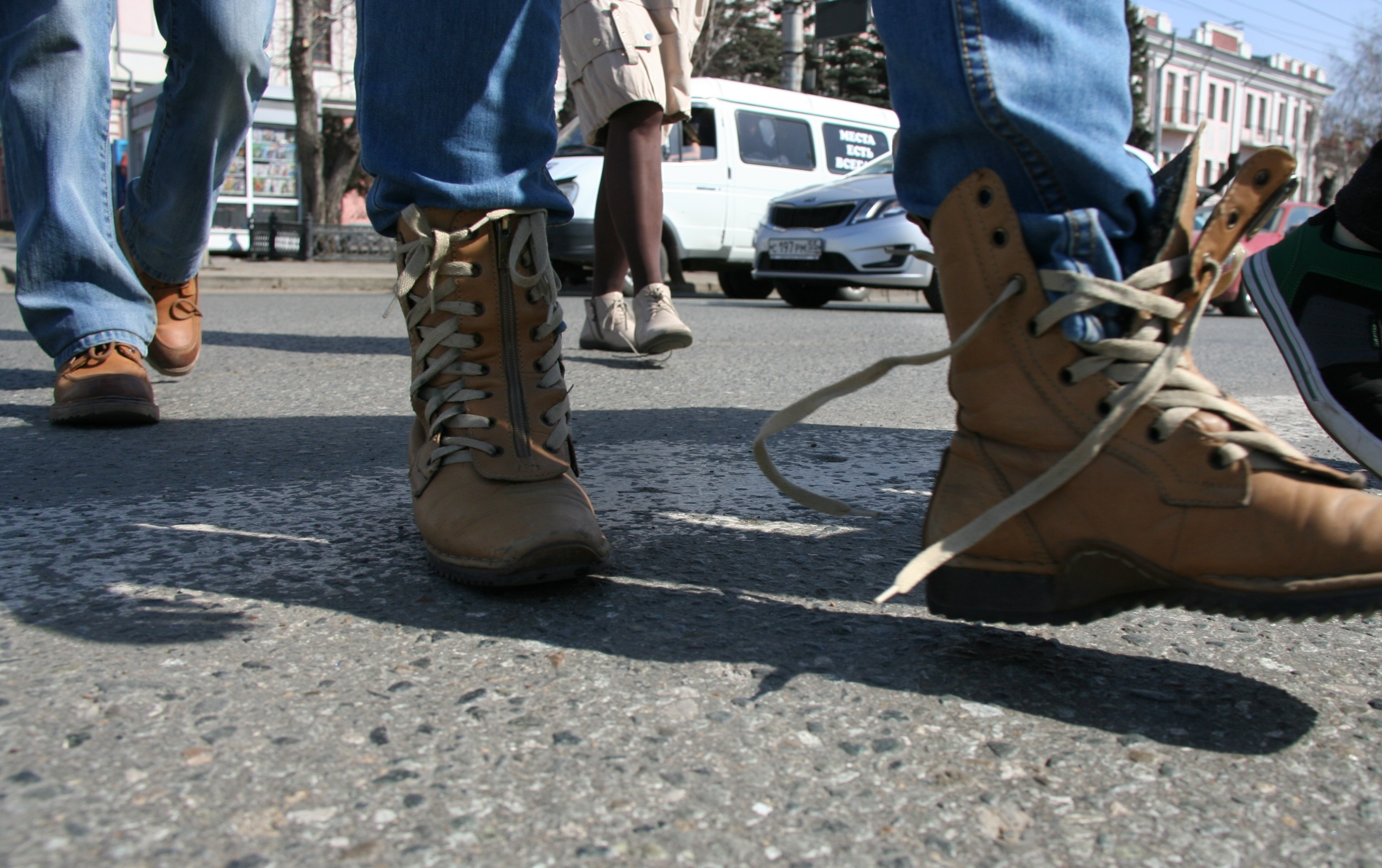 гагарин и его шнурки фото