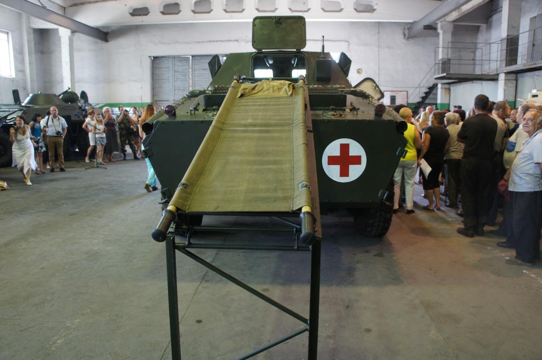 БММ-70 предназначена для перевозки раненых в бою
