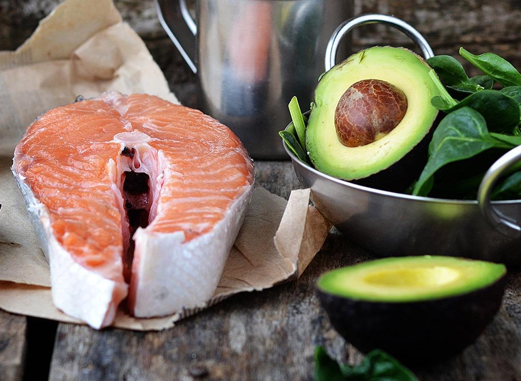 Отдавай предпочтение свежей рыбе, нежели консервам