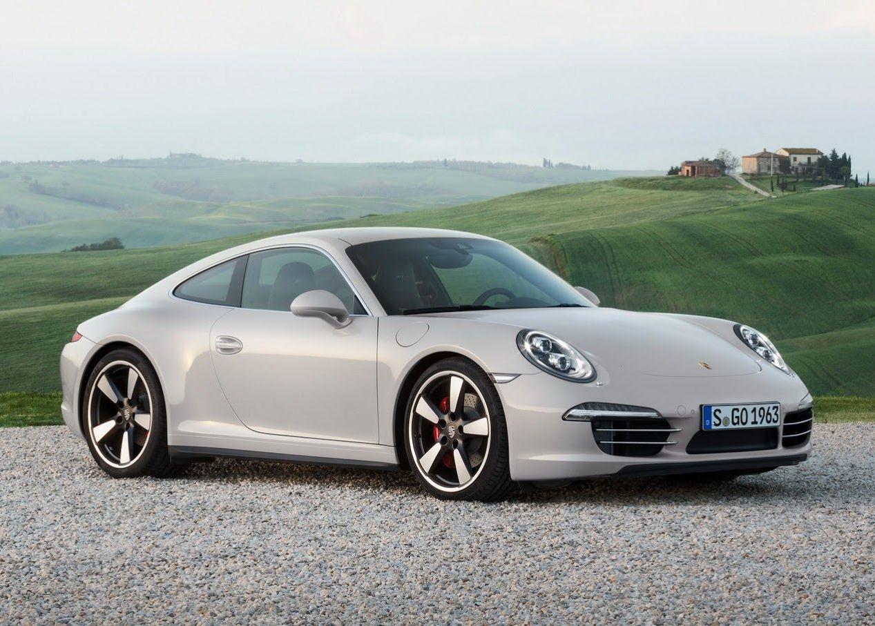 Porsche 911 50th Anniversary стоит 1 493 000 гривен