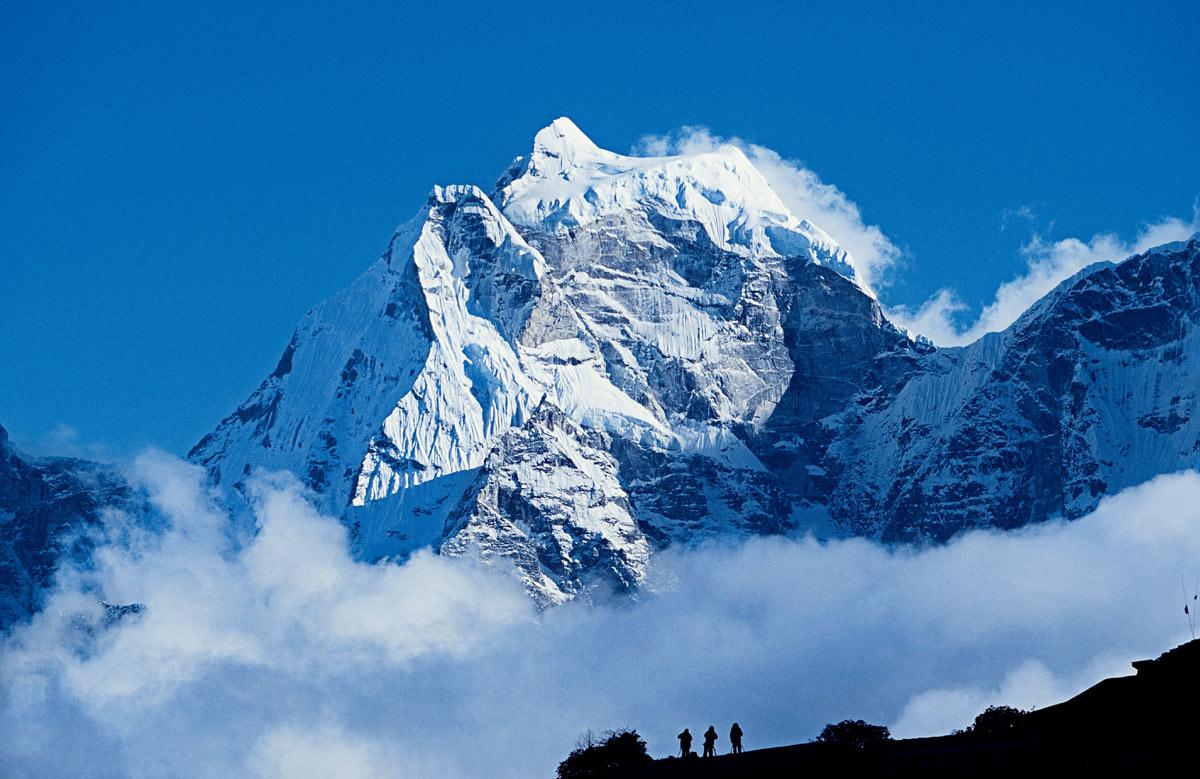 Эверест — мужчина с характером: залезть на себя разрешает далеко не каждому