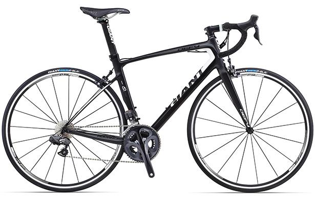 Велосипед для марафонских дистанций Giant Defy Composite 0. Эта машина доказывает своей конструкцией, что отменная аэродинамика и эргономичный комфорт седока – не взаимоисключающие понятия. Цена – $3950