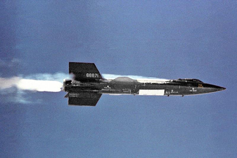 X-15 достиг высоты 107,96 километров