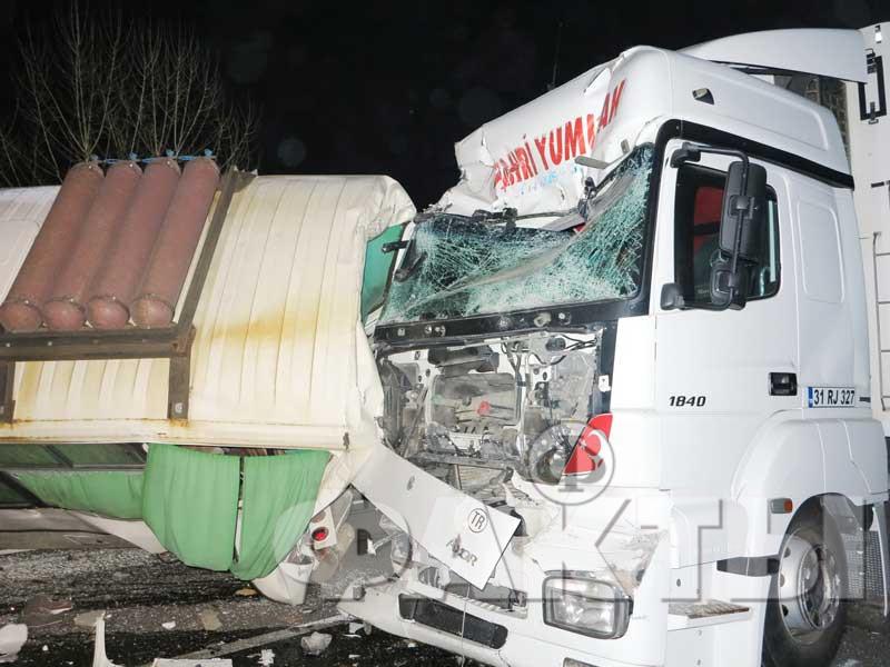 Под Киевом фура протаранила два автобуса, есть погибшие
