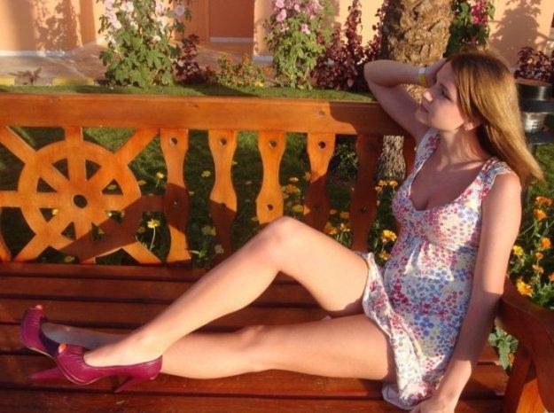 Худые голые очень много красивых женских ножек фото картинки раздвинутыми ногами