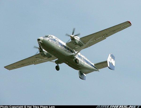 АН-38 - многоцелевой транспортный самолет, созданный в ОКБ Антонова.  Самолет по конструкции близок к созданному...