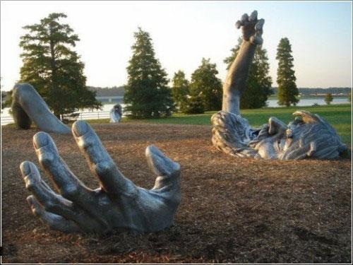 Интересные памятники и скульптуры 182023_394571
