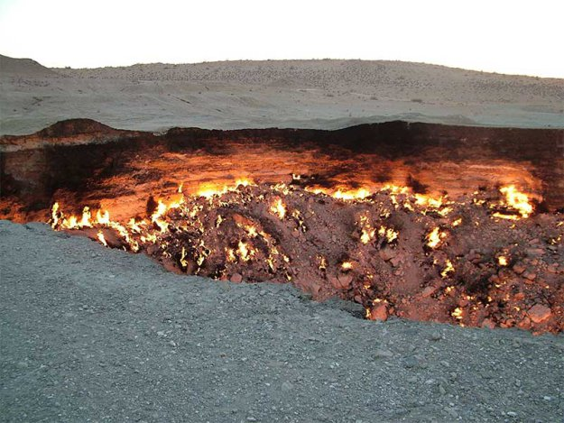 Горящая дыра в Туркменской пустыне  183784_402297