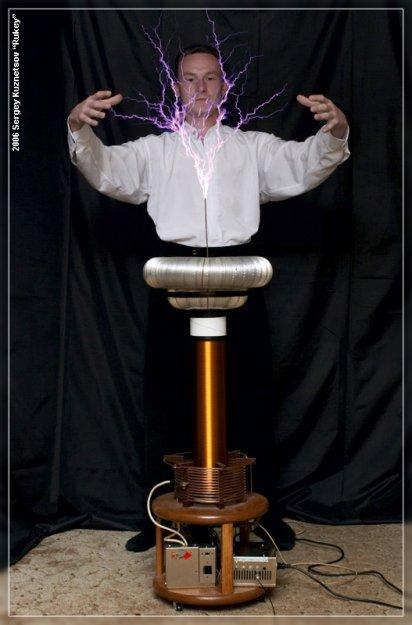 Никола Тесла (1856-1943 гг.) - автор 800 изобретений в области электро- и радиотехники.