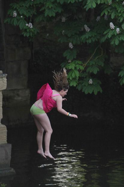 Оксфордская традиция: первомайские прыжки с моста Магдалены