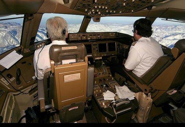 Вид из кабины пилота.