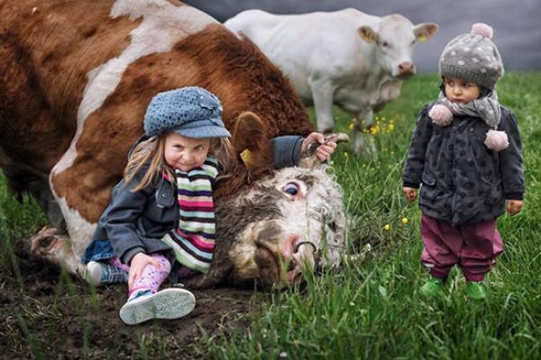 Картинки по запросу смешные животные и дети