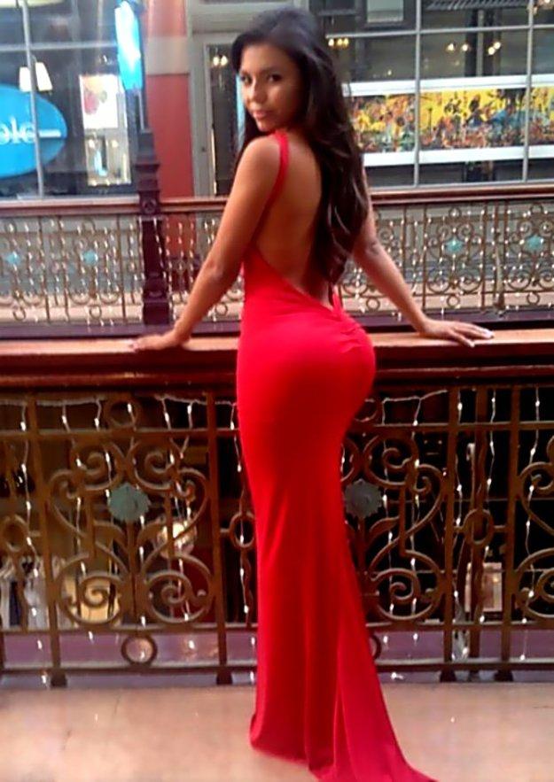 Порно в длинном платье с большой жопой64