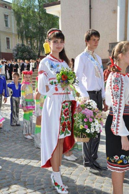 Оригинальное платье на выпускной.