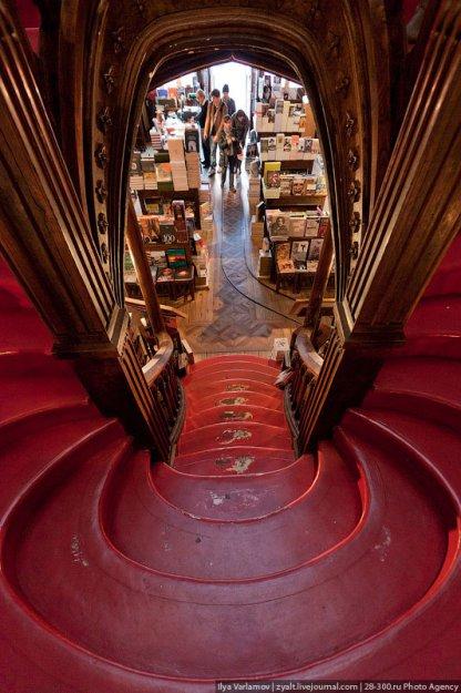 Книжный магазин Livraria Lello  181499_390853