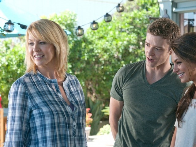 Below are more Friends With Benefits 2011.