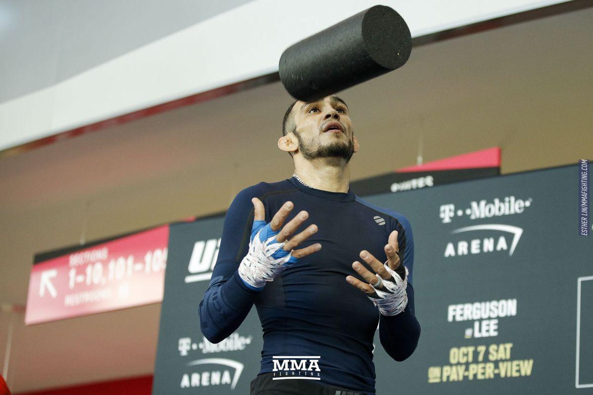 UFC 216: Фергюсон победилЛи истал временным чемпионом